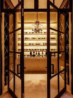 How to create a customized wine room that wows