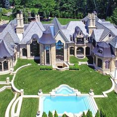 """La Maison de Rêves""  Delight in the architectural elegance of this palatial French-inspired estate situated on a private two-acre enclave just 16 miles from Manhattan - Credit #mansionkings  #real._.estate  #luxury#luxuryhome#luxuryhomes#luxuryhouse#luxuryhouses#luxurylife#luxurylifestyle#mansion#mansions#mansionhouse#bighouse#bighouses#rich#richlife#richlifestyle#homes#homesweethome#homestyle#homestead#view#views#house#houses#resort#resorts#modern#contemporary - posted by Luxury Mansions…"