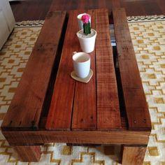 Table basse palette recyclée par DottedBlueDesigns sur Etsy