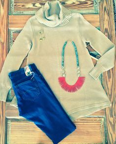 This sweater tunic is super soft and cute! Pair a neutral with a bold color this Fall instead of black! You'll be glad you did! #emmyjewelry