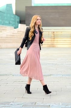 ... Oh My Vogue !: Blush pleated dress with leather