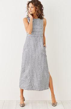 long striped linen dress - J. JillMetti in valigia un abito a Righe Fresco Lungo Elegante, mettendolo con sneakers e giubbottino diverrà anche casual e pratico per le passeggiate e lo shopping #Abito #Estate2016 #Fashion2016