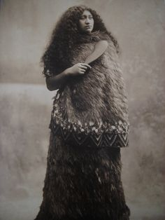 New Zealand, Maori Woman Vintage Old Pictures, Old Photos, Vintage Photographs, Vintage Photos, Yin Yang, Polynesian People, Maori People, Maori Designs, Maori Art