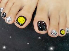 Toe nails designs will make your total look complete. Here you will find some gorgeous ideas for your pedicure. Pretty Toe Nails, Love Nails, Pretty Toes, Nail Lab, Manicure E Pedicure, Pedicures, Drip Nails, Sassy Nails, Feet Nails