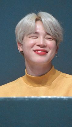 Look at how soft baby mochi is 😔 Bts Jimin, Bts Bangtan Boy, Bts Boys, Park Ji Min, Namjoon, Taehyung, Foto Bts, Bts Photo, Jikook