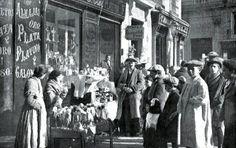 1917. Puestos de navidad cerca de la Plaza Mayor