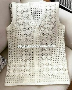 """Instagram'da reklam tanıtım ve çekiliş📨: """"Anneler ve kızları adlı çalışma😍😍😍 . . . . . @kahvetadindaorguler .…"""" Crotchet Dress, Crochet Baby Dress Pattern, Crochet Cardigan, Baby Knitting Patterns, Summer Cardigan, Women Wear, White Vest Top, Free Crochet, Crochet Blouse"""