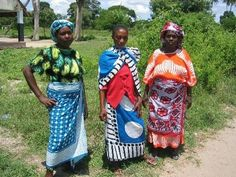 Some women wearing kitenge and kanga--printed cloth considered the national dress for women in Tanzania. In A Girl Called Problem, women wear kitenge, babies are carried with it, and Shida's uses them to cover herself when she sleeps and also to cover patients. Types Of Clothing Styles, Spring Scarves, Tanzania, Kenya, East Africa, British Museum, More Pictures, Ethical Fashion, Vintage Prints