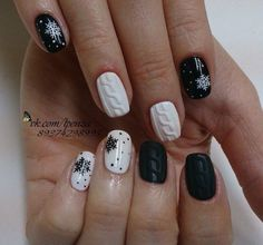 If you are getting ready for the holidays by painting a winter wonderland on your nails, these Cutest Christmas Nail Art DIY Ideas will surely give you a cheerful Christmas season this year. Creative Nail Designs for Short Nails to Create Unique Styles Cute Christmas Nails, Christmas Nail Art Designs, Xmas Nails, Winter Nail Designs, Winter Nail Art, Holiday Nails, Winter Nails 2019, Christmas Design, Creative Nail Designs