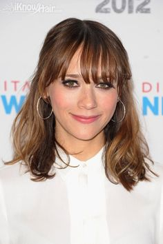 Hairstyles with Bangs: Rashida Jones Rashida Jones, Medium Length Hair With Layers, Mid Length Hair, Fringe Hairstyles, Hairstyles With Bangs, Haircuts, Popular Hairstyles, Hairstyle Ideas, Hair Ideas