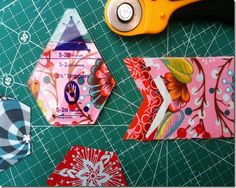 Piecing hexagons using Marti Michel templates, and a tutorial for a Kindle case