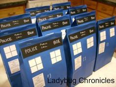 Who gift bags! Who gift bags! Doctor Who Birthday, Doctor Who Party, Doctor Who Wedding, Birthday Board, 13th Birthday, Birthday Ideas, Dr Who, Doctor Who Baby Shower, Motto
