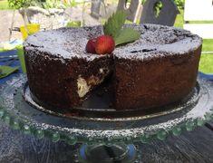 Sannan suloinen suklaa-mascarpone kakku – Sikeltä sinulle Sweet Tooth, Candy, Baking, Desserts, Recipes, Food, Chocolates, Health, Ideas