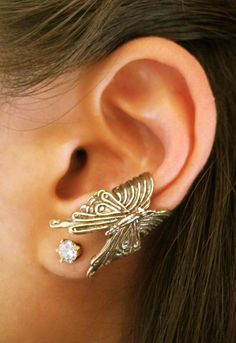 Bronze Butterfly Ear Cuff by martymagic on Etsy, 29$ *But that Butterfly needs to be the other direction:-)*