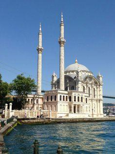 Istanbul/ Ortaköy Camii Istanbul, Beautiful Castles, Mosque, Taj Mahal, Building, Photos, Travel, Viajes, Istanbul Turkey