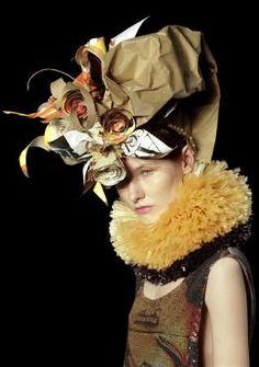 ⍙ Pour la Tête ⍙  hats, couture headpieces and head art -  Alessa. Paper hat