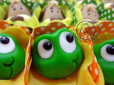 CHEIRINHO DE COISA BOA - Bolos decorados em Campinas SP: Docinho modelado Galinha Pintadinha