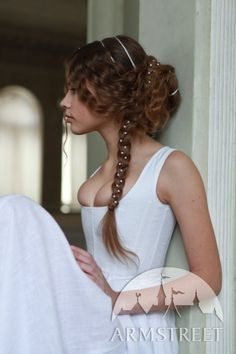 Wedding Hair Medieval Style Inspiration / Ispirazione in stile Medioevale per l'acconciatura del matrimonio #pettinatura #capelli - (Kit Custom Renaissance Florentine by armstreet, $239.00)