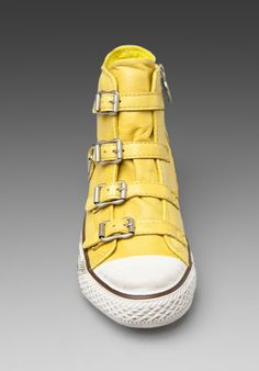 43c183f41682 yellow shoes with straps Double Delight