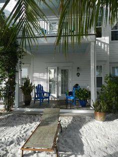 Key West & The Florida Keys| Serafini Amelia| Parrot Key Hotel and Resort: Outside of back of room