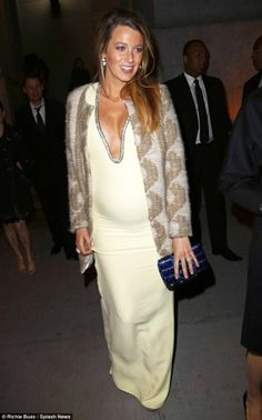 Blake Lively wearing Gucci Resort 2015 Dress, Thomas Sires Cable Coat and Gucci Naomi Sandals