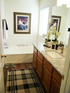 A Stroll Thru Life: Master Bathroom Vanity Makeove…