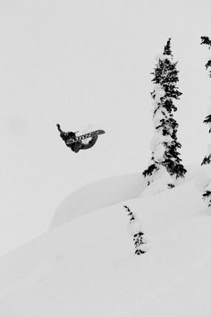 Snowboard-Photo-Nicolas-Muller-Method-in-Revelstoke-by-Cole-Barash