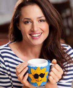 This nice gift idea will brighten the day with a smiling face and let someone know you care. Crochet one for yourself too. It will keep a morning cup of coffee or tea warm while you enjoy your morning.
