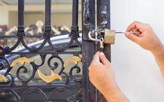 Si le système de votre serrure est en panne, confiez-vous à un artisan avéré qui saura apporter les bonnes solutions. À ce contexte, entrez en contact avec la société Le Serrurier Chelles puisque son équipe est formée par de véritables spécialistes !