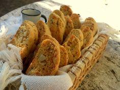biscotti de parmesão, alecrim e castanha do pará