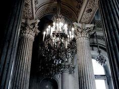 Картинка с тегом «chandelier, architecture, and art»