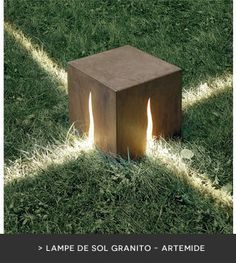 Illuminez vos soirées d'été : lampe extérieure de sol Granito - Artemide