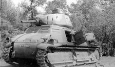 S35 SOMUA cavalry Tank. Possibly the best overall design of the early war, the SOMUA had better armor and armament than its German counterparts, but suffered from the poor armor tactics of the French High Command. It also was expensive to produce, and had issues with mechanical reliability. The tank served with Free French forces in Africa, and a few served in Axis service, notably the joint German-Finnish Operation Silver Fox.