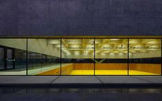 Double scholastic gym by Baserga Mozzetti Architetti [sports hall]
