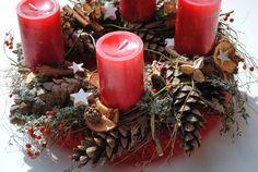 Adventskranz+/+Weihnachtskranz+Rot+von+Blumen+Design+by+Dueck+auf+DaWanda.com