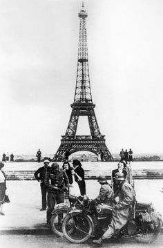 German soldiers in front of the Eiffel Tower, Paris, 1940. Paris fell to the Germans on 14 June 1940. (Photo by Art Media/Print Collector/Getty Images)