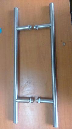 Izda tirador de la puerta de entrada a la iglesia de for Manillas puertas ikea