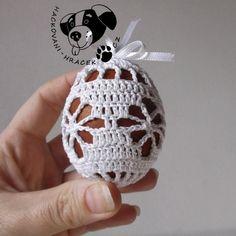 Velikonoce | Návody na háčkované hračky Easter Crochet Patterns, Doily Patterns, Crochet Blanket Patterns, Crochet Doilies, Crochet Flowers, Crochet Stone, Crochet Christmas Ornaments, Handbag Patterns, Easter Crafts
