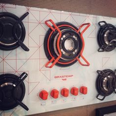 Brastemp cooktop - Customize your own appliances ! Smeg Kitchen, Kitchen Appliances, Kitchens, Design Lab, Love Design, Stoves Cookers, Gas Stove, Commercial Kitchen, Shape And Form