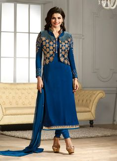 We have an exhaustive range to give you a pleasurable online shopping experience of bollywood salwar kameez. Buy this delightful Prachi Desai churidar designer suit.