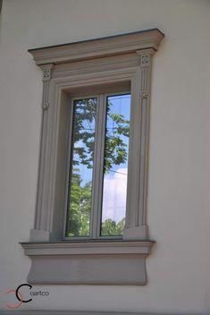 Ancadrament Decorativ pentru Fereastra Casei House Architecture Styles, Roman Architecture, Classic Architecture, Classic House Exterior, Modern Farmhouse Exterior, Window Design, Door Design, External Doors, Architectural Features