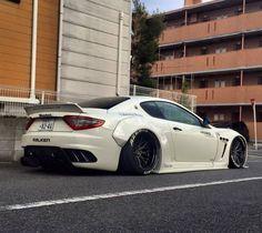 Liberty Walk | Maserati Gran Turismo... http://mundodeviagens.com/ - Existem muitas maneiras de ver o Mundo. O Blog Mundo de Viagens recomenda... TODAS!