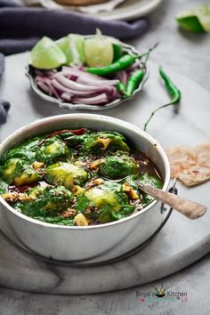 Dhaba Style Aloo Palak is North Indian side dish. Dhaba Style Aloo Palak is very healthy green curry. Dhaba Style Aloo Palak is spicy spinach potato curry. Aloo Recipes, Spinach Recipes, Curry Recipes, Vegetarian Recipes, Cooking Recipes, Healthy Recipes, Recipies, Savoury Recipes, Rice Recipes