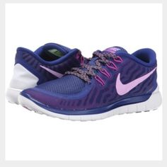NWT Nike womens free runs NWT Nike womens size 8 free runs 5.0! These are so cute & I just love the zig zag design on the shoe strings! Perfect for a workout  Nike Shoes Athletic Shoes