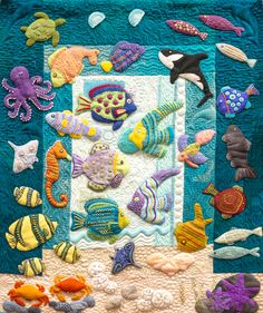 So excited to start this week by looking at this stunning quilt done using Sue Spargo Eleganza threads! 😍😍 This incredibly detailed quilt can be seen at @woolies_on_the_coast Just look at all the cute sea creatures you can spot in one piece! 🐙🦑🐡🐠🐟🐳 #madmonday
