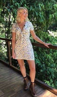 Celebrity Outfit 306 Unique Holly Willoughby Just Wore the Prettiest Floral Dress Ever Holly Willoughby Outfits, Holly Willoughby Style, Floral Dress Outfits, White Floral Dress, Celebrity Outfits, Celebrity Style, Jungle Outfit, Tv Presenters, Celebs