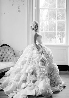 Pnina Tornai | PreOwned Wedding Dresses