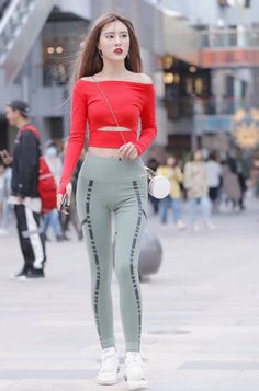Red off-shoulder top matches a tight leggings Beautiful Hips, Beautiful Girl Image, Beautiful Asian Girls, Yoga Pants Girls, Girls In Leggings, Tight Leggings, Sporty Outfits, Sexy Outfits, Red Off Shoulder Top