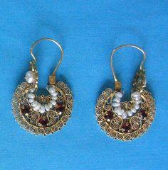 Oaxaca Earrings Mexico by Teyacapan, via Flickr
