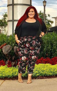 Trendy moda outono inverno plus size ideas Trendy fall winter fashion plus size ideas Summer Business Outfits, Business Casual Dresses, Summer Work Outfits, Summer Wear, Plus Size Fashion For Women, Plus Size Women, Work Fashion, Curvy Fashion, Women's Fashion